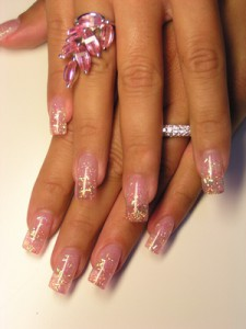 glitternägel mit glitterstäbchen