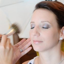 make-up-1155013_640